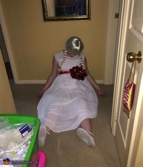 The Annabelle Doll Costume - Photo 2/2