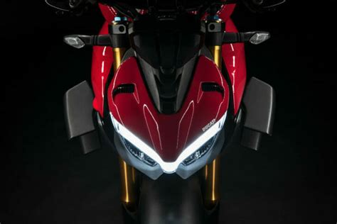 2020 Ducati Streetfighter V4 First Look - Cycle News