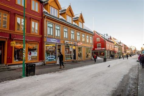 Chasing the Northern Lights - Tromso, Norway - Travel Addicts