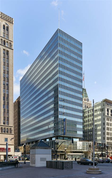 Oracle signs lease, fueling downtown Oakland expansion