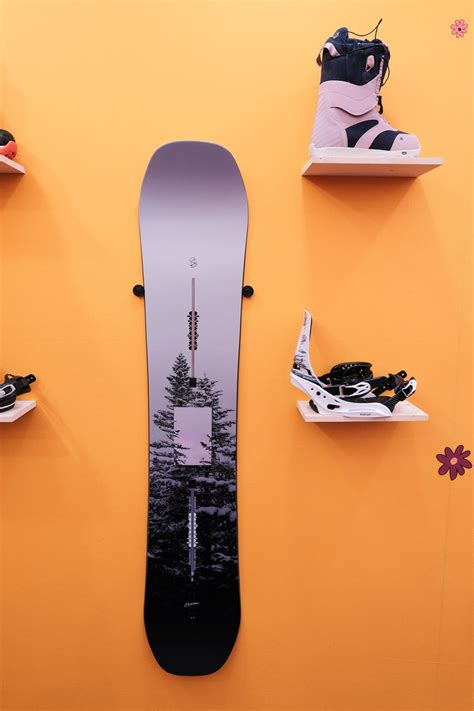 Burton | 2020 - 2021 Snowboard Product Preview - Whi