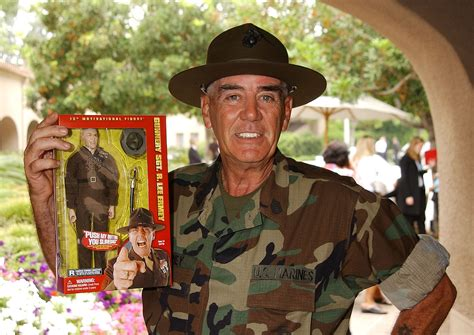 R Lee Ermey dead - Full Metal Jacket drill sergeant passes