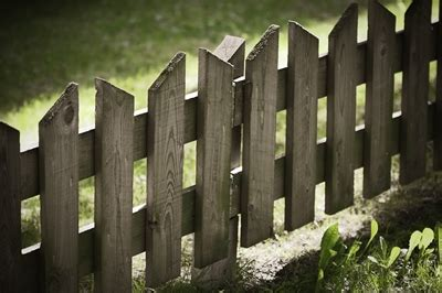 10 DIY Fence Ideas ~ Page 4 of 11 ~ Bless My Weeds