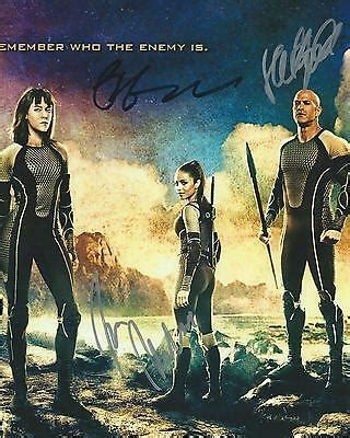 **The Hunger Games: Catching Fire *MOVIE CAST* Signed 8x10