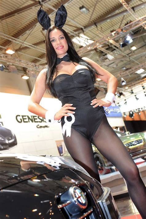 Booth Ladies of the 2010 Essen Motor Show | Carscoops