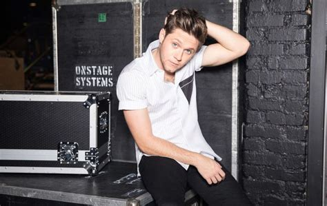 Niall Horan Talks New Album, Signing With a Modeling