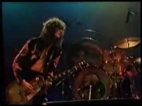 Led Zeppelin Black Dog - YouTube