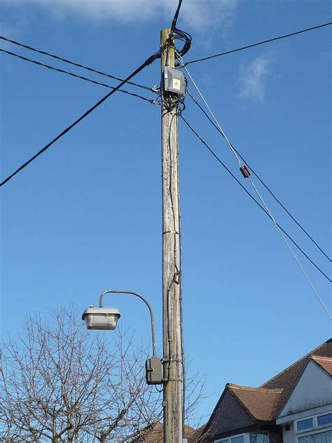 Aerial bundled cable - Wikipedia