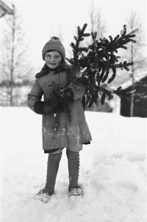 Scandinavian Christmas traditions seen through vintage