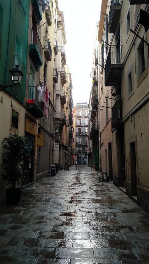Gothic quarter : Barcelona | Visions of Travel