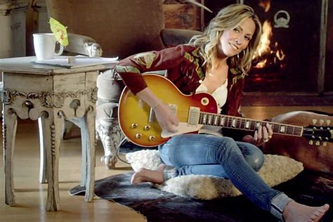 Sheryl Crow Lives Out the Ultimate 'Staycation' in 'Easy
