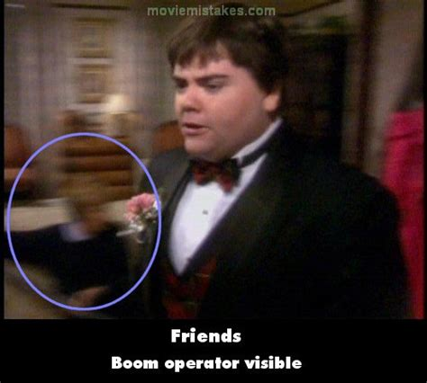 Friends (1994) TV mistake picture (ID 22105)