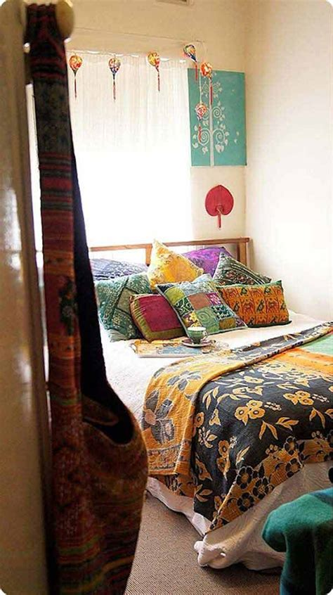 35 Charming Boho-Chic Bedroom Decorating Ideas - Amazing