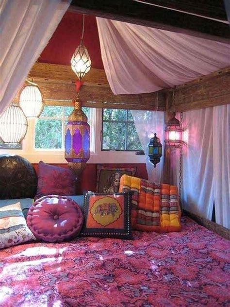 35 Charming Boho-Chic Bedroom Decorating Ideas - page 2