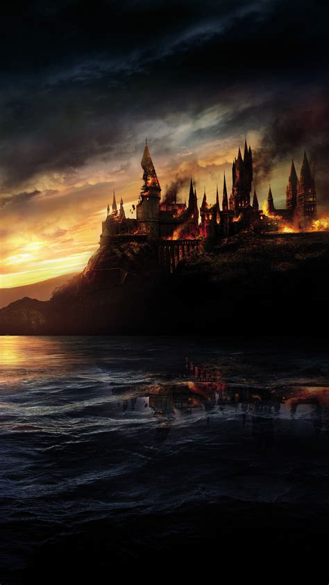 Wallpaper Hogwarts, Burning, Harry Potter and the Deathly