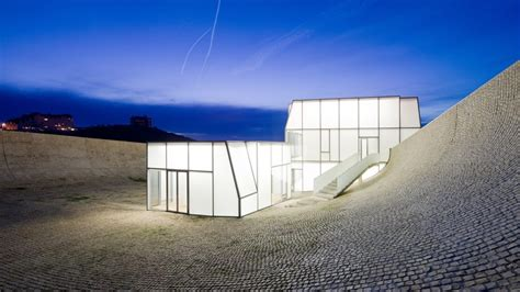 Painting with Light: The Ethereal Glass Façades of Steven