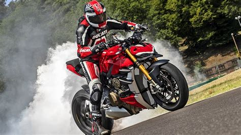 The New 2020 Ducati Streetfighter V4 is UNREAL!!! - YouTube