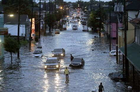 New Orleans floods raise questions about city pumping