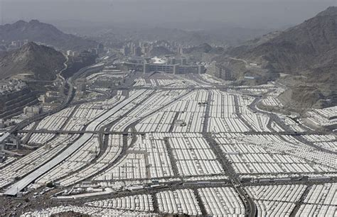 Saudi Arabia has 100,000 air-conditioned tents sitting