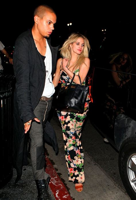 Ashlee Simpson, Evan Ross Dating? Star Spotted Out With